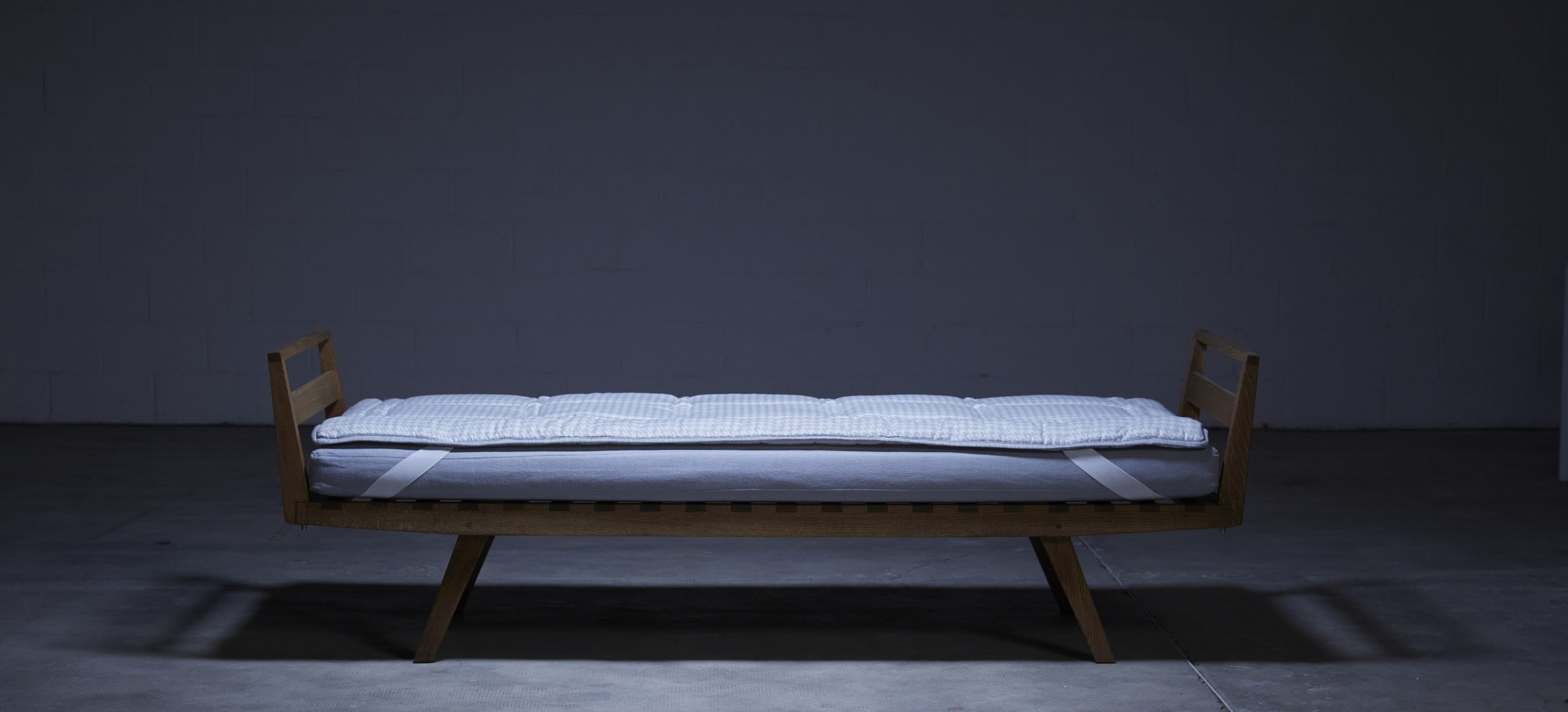 Day Bed 11